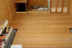 Der Fußboden wird verlegt …