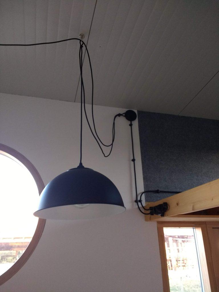 Lampe mit Magnethaken